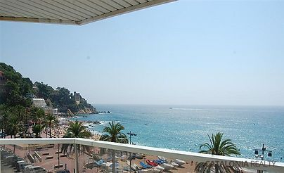Luxury apartment for sale in Lloret de Mar, in front of the sea