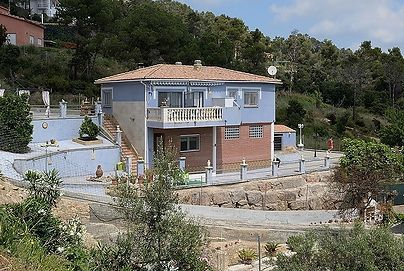 HOUSE for sale in Palafolls (Barcelona). With sea views
