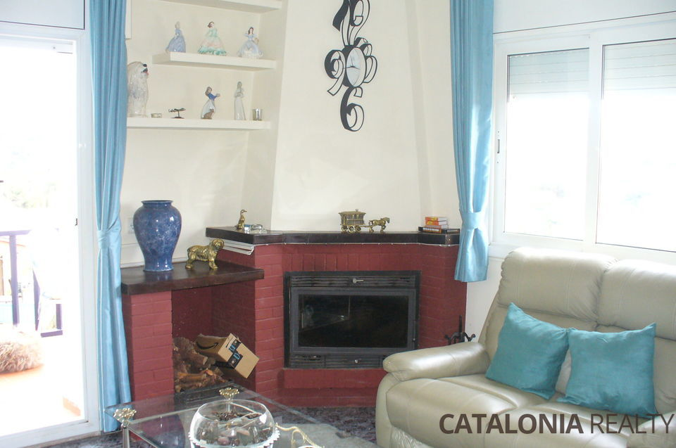 House for sale divided into two houses, near Lloret de Mar