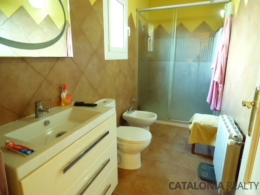 Restored country house for sale in the La Selva region (Girona), Spain