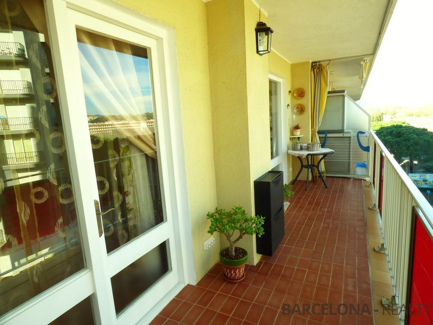 Apartment for sale in Blanes (Costa Brava) Spain, on the 2nd line of the sea