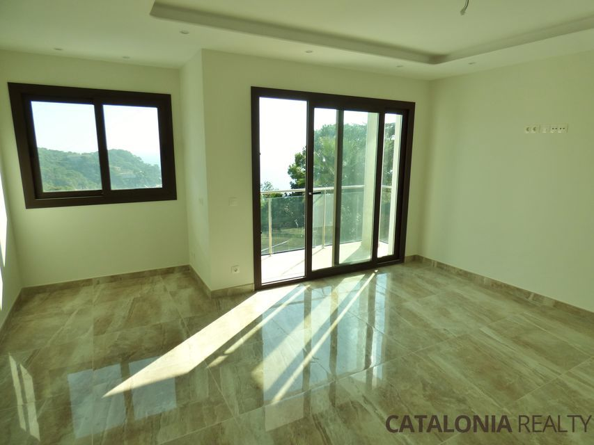 House for sale of new construction in Tossa de Mar (Costa Brava). With sea views